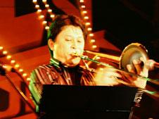 トロンボーン奏者岩崎浩の写真1
